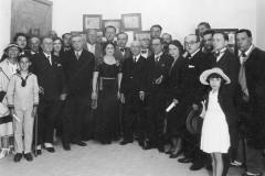Grażyna Bacewicz (z białym rulonem) pośród uczestników Festiwalu Chopinowskiego na Majorce (NAC)