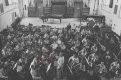 Grażyna Bacewiczówna w Orkiestrze Polskiego Radia podczas próby, 1936, fot. Antoni Sitkowski (NAC)