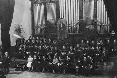 Uczestnicy Konkursu im. H. Wieniawskiego podczas inauguracji, 1935 (NAC)