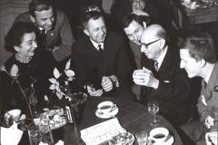 Grażyna Bacewicz w ZKP na spotkaniu z Igorem Strawińskim, 1965, fot. Andrzej Zborski (ZKP)