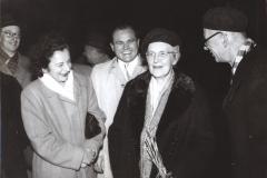 Grażyna Bacewicz z Kazimierzem Serockim i Zygmuntem Mycielskim (z prawej) podczas pożegnania Nadii Boulanger, 1956, fot. Dionizy Gładysz (ZKP)