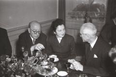 Grażyna Bacewicz w ZKP na spotkaniu z delegacją Rumunii, 1956, fot. Dionizy Gładysz (ZKP)