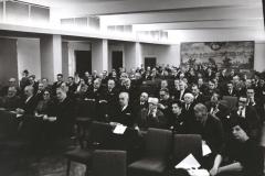Grażyna Bacewicz pośród kompozytorów na Walnym Zjeździe ZKP, 1967, fot. Andrzej Zborski (ZKP)